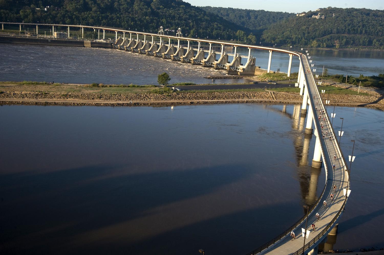 Big Dam Bridge Little Rock/North Little Rock, AR (photo courtesy of Arkansas Department of Parks & Tourism)