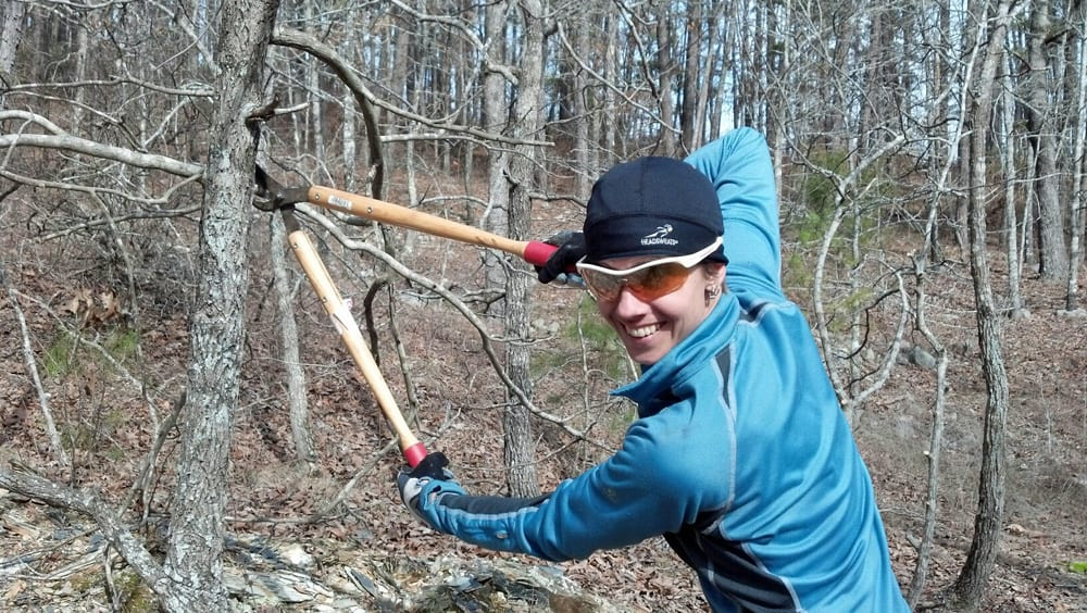 Alyssa lopping some obstructions.