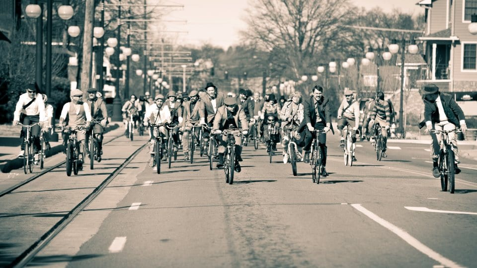 Tweeders take the street. (Photo by Ian Caple)