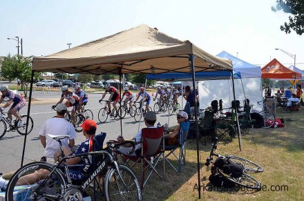 Spectators are on the edge of the action at crits.