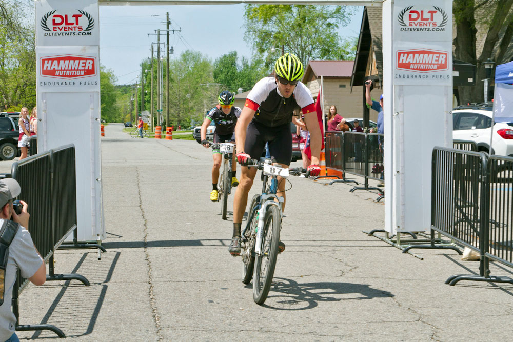 The sprint finish. (photo by Bob Ocken)