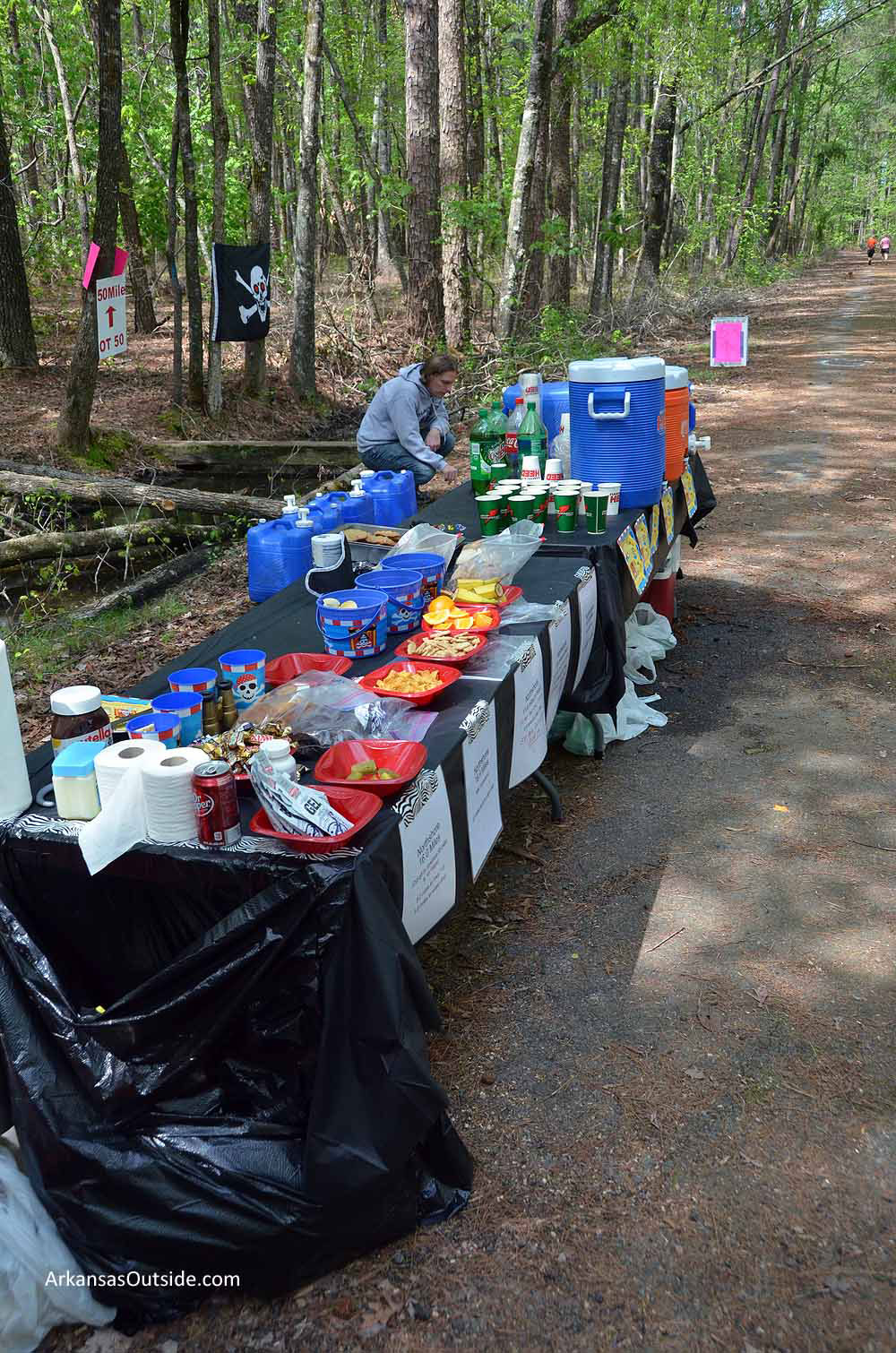 North Shore aid station, complete with pirates.
