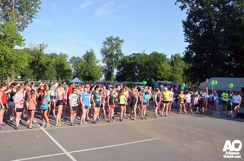 39 and under women lined up.