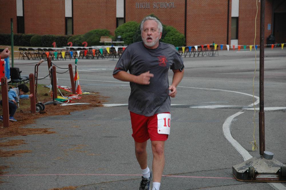 Race Organizer Dennis Rine.