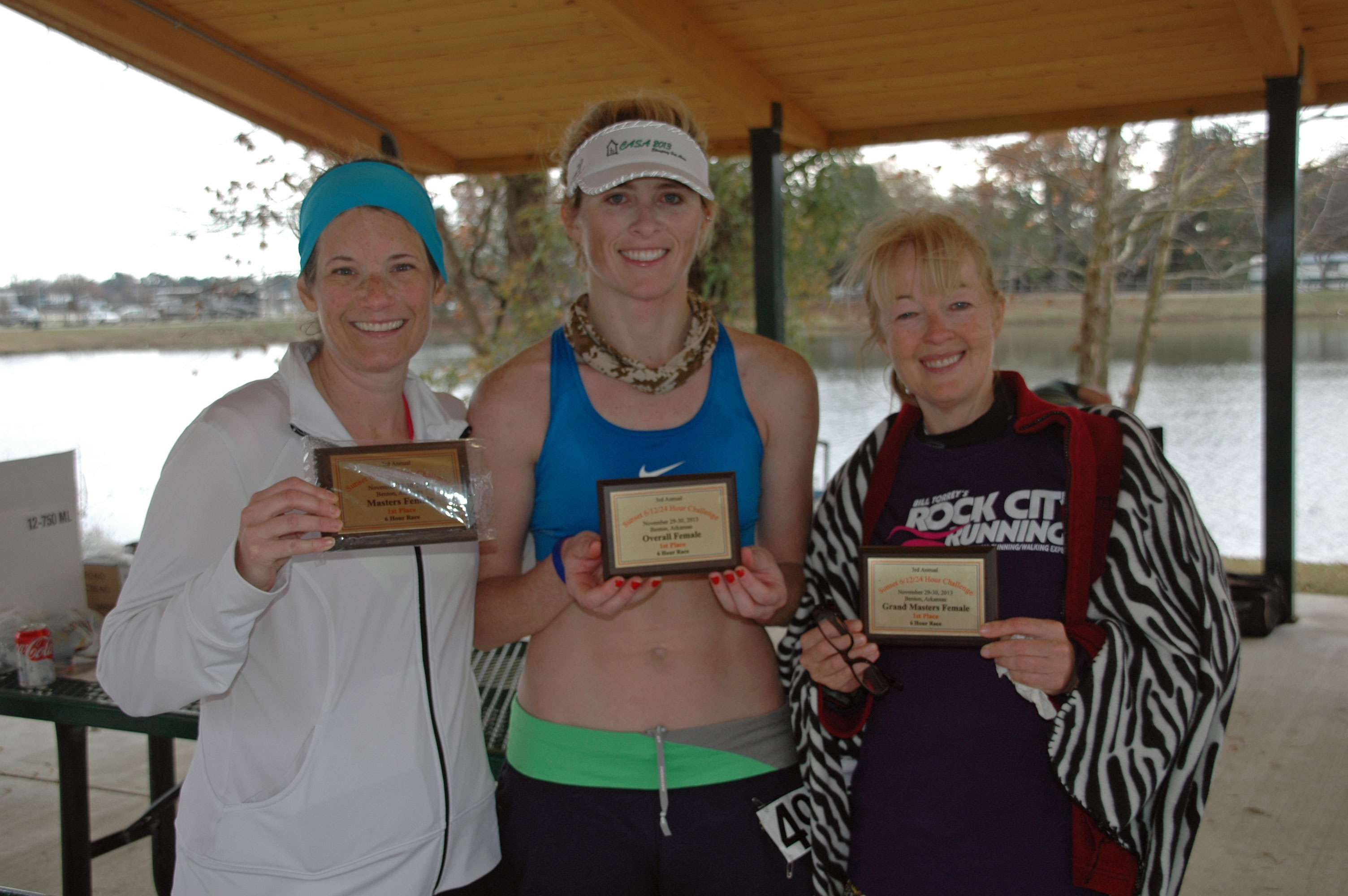 6-Hour ladies with plaques (l-r Kelly Hair, Jenny Wilkes, Annette Blanton)
