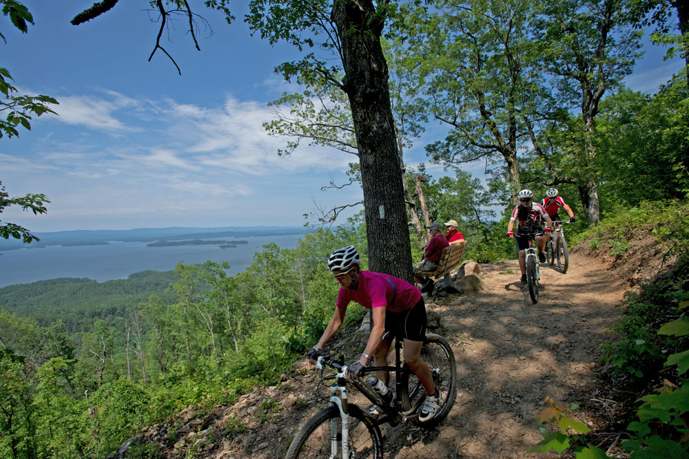 A high ridge section of the LOViT Trail - Lake Ouachita Vista Trail. (Photo courtesy of Arkansas Department of Parks & Tourism)